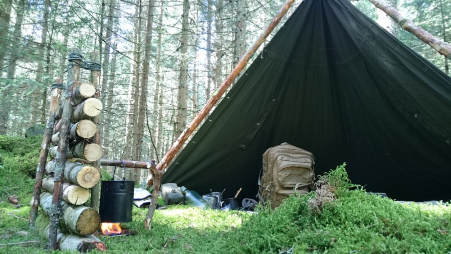 how to build a tarp shelter
